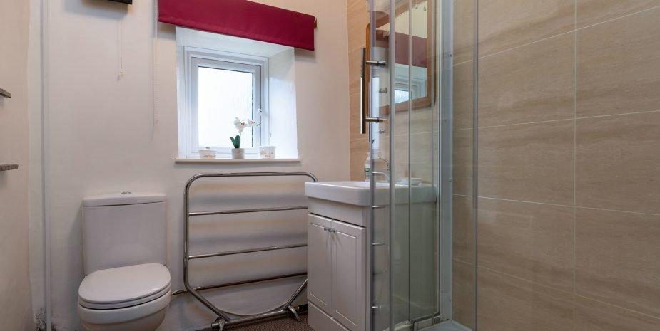 Shower room with large shower enclosure