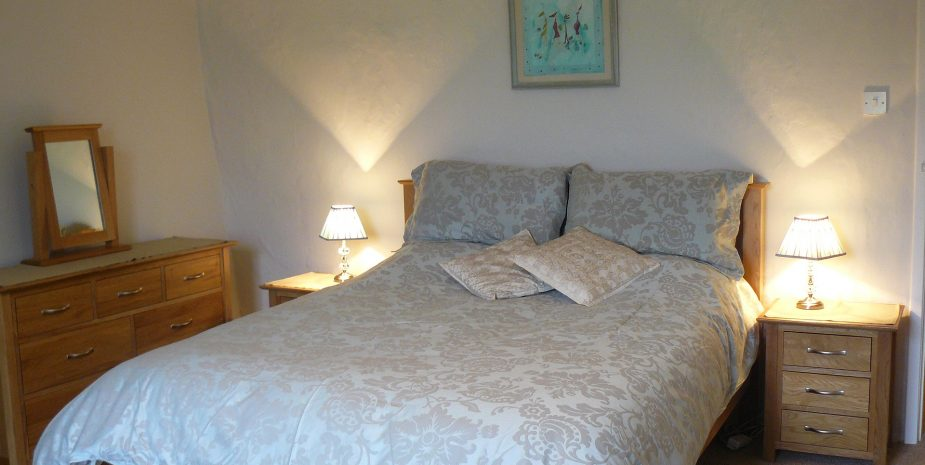 Kingsize bedroom, terrific views