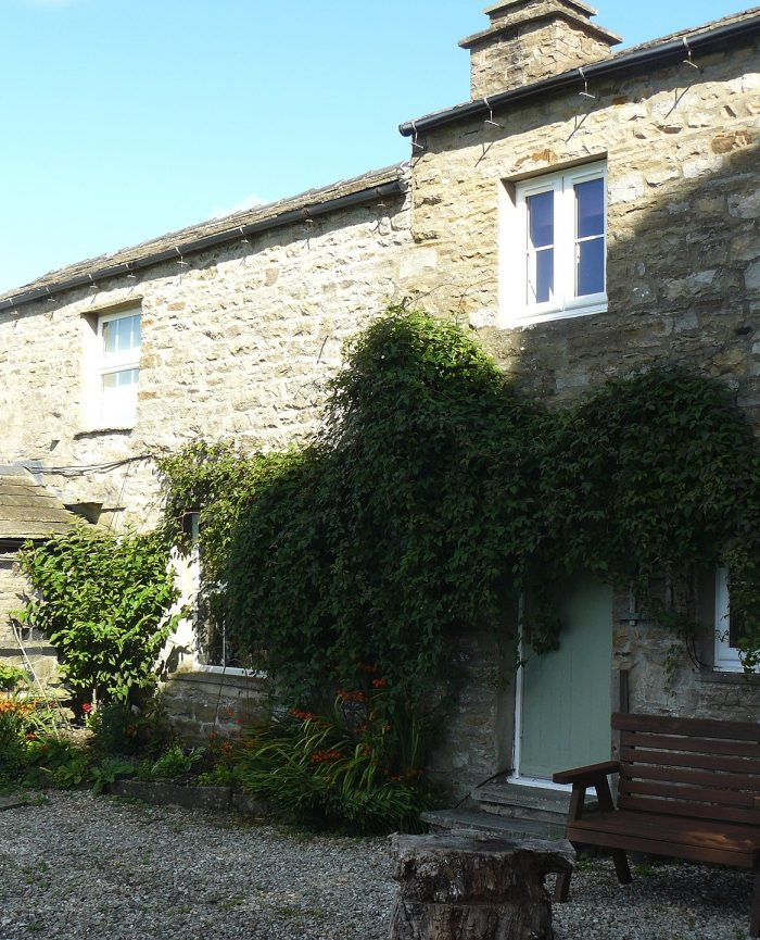Low Shaw Farmhouse Holiday Cottage