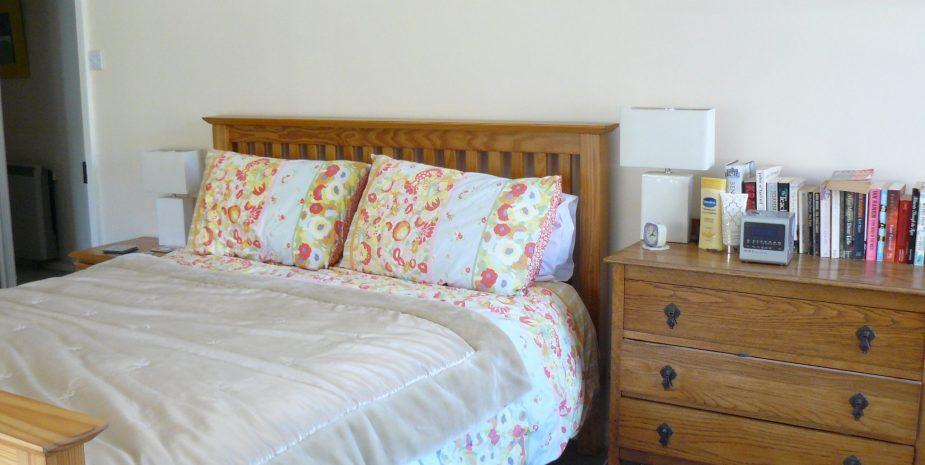 Master kingsize bedroom