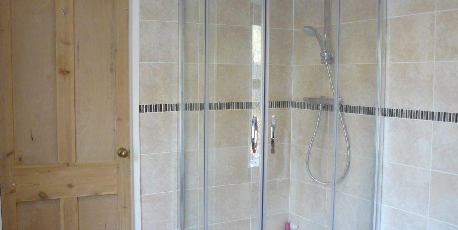 Ensuite shower room, large shower enclosure